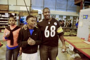 The NFL's Kelvin Beachum joined high school students invited to learn about science, technology, engineering and math-related jobs at the American Airlines Maintenance Base in Pittsburgh.