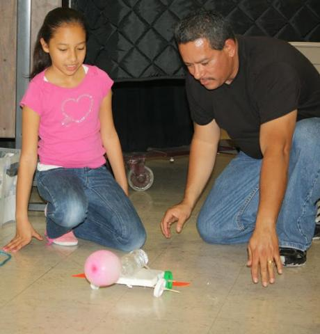In Iridescent Family Science courses, families explore and discover science together.